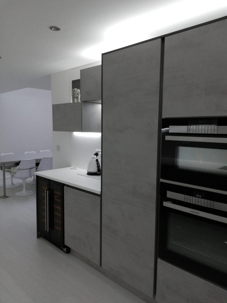 Contemporary kitchen designs Long Eaton - concrete effect kitchen